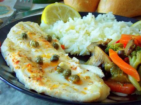 cuisiner du poisson au four filet de poisson au four aux légumes sautées par mes