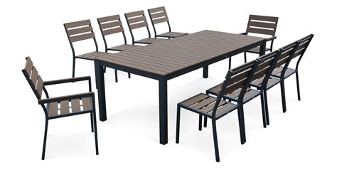 table avec chaise encastrable best table salon de jardin verre et alu images awesome