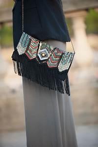 Pochette Ethnique Chic : pochette ethnique franges et perles parfois la minute fashion ~ Teatrodelosmanantiales.com Idées de Décoration