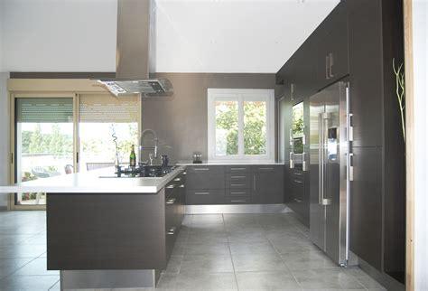 cuisine frigo cuisine equipee en u 3 cuisine avec frigo américain pas cher sur cuisine lareduc com