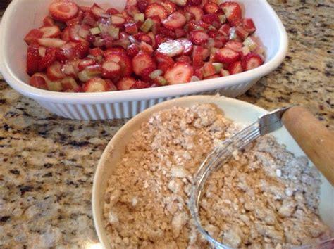 strawberry rhubarb crisp recipe dishmaps