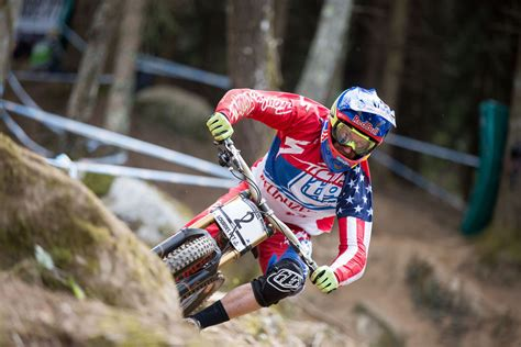 Lourdes 2015 – Results and race action | Downhill mtb ...