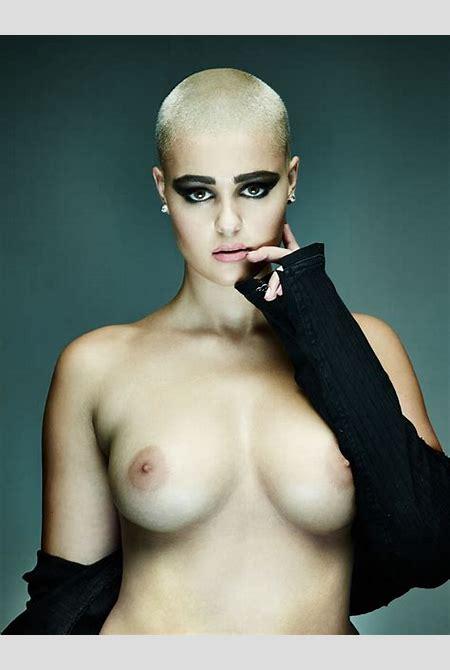 Stefania Ferrario Bald, Boobs and Badass (NSFW) – Peter Coulson Photographer :: Blog
