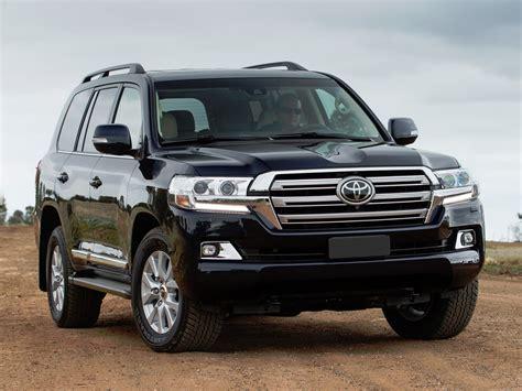 Khi Nào Thì Bạn Cần Sơn Lại Toyota Land Cruiser 2018