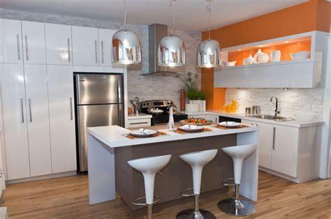 cuisine et couleurs arras cuisine blanche avec brique de parement et mur couleur