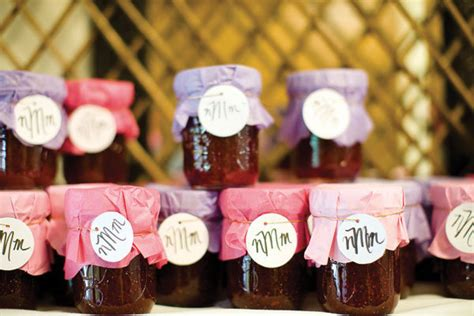 edible wedding favors your guests will love bridalguide