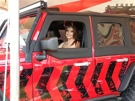 happy holidays pictures  girls  jeeps jk forum