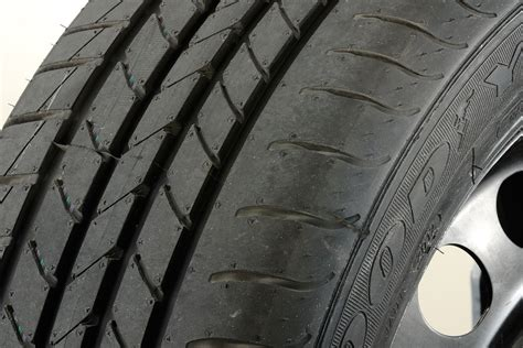 goodyear efficientgrip tyre test  auto express