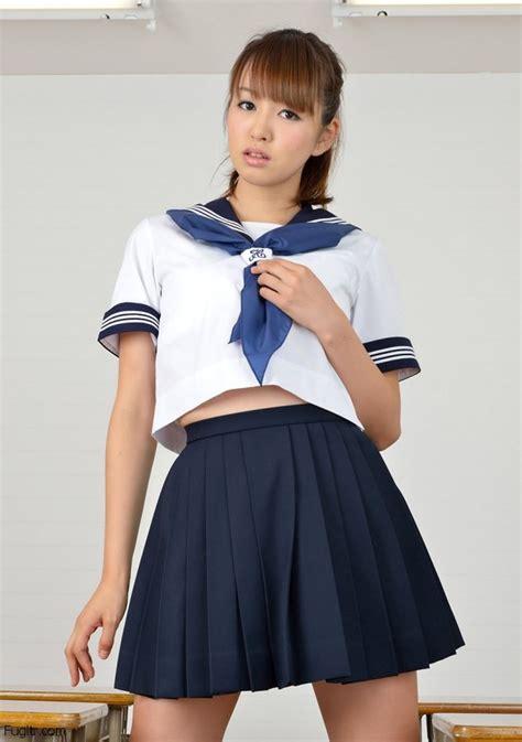 Incredibly Hot Japanese Schoolgirls