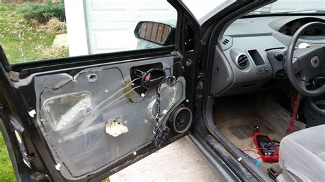 2006 saturn ion can i remove the driver s side door