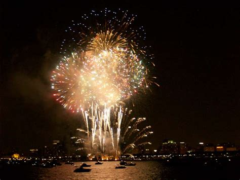 Fireworks Boat Rental Chicago by Navy Pier Fireworks Sailing Trip Chicago Sailboat