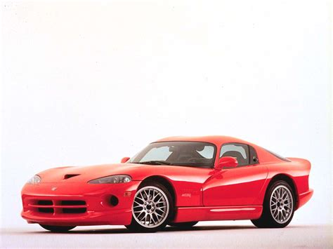 With a total production of only 7900 (of which 2000 still exist today) during 100 years, bugattis come few and. 2000 Dodge Viper ACR   Review   SuperCars.net