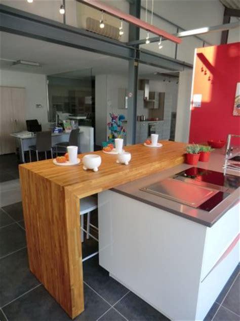 plan travail cuisine sur mesure ilots central pour cuisine plan snack bois massif sur