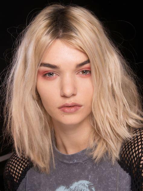 mittellange haare locken machen mittellange frisurentrends 2019 haare frisuren mittellange haare und frisurentrends