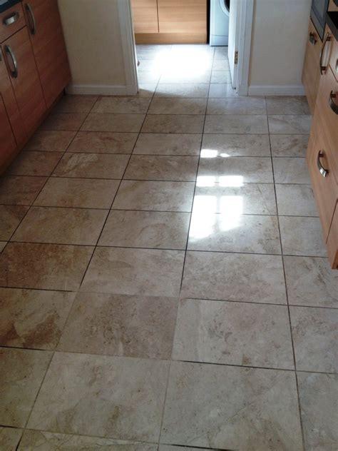 Fliesen Legen Schmaler Flur by Hallway Floor Cleaning Cleaning And Polishing Tips