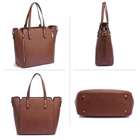 You may find coffee bags with certain styles relevant to the coffee type. AG00502 - Coffee Zipper Shoulder Bag