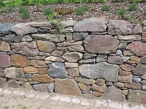 Steine Für Trockenmauer : bruchstein trockenmauer trockenmauer steine und holz ~ Michelbontemps.com Haus und Dekorationen