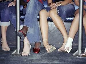 Schuhschrank Für High Heels : high heels das hilft bei schmerzenden f en stylebook ~ Bigdaddyawards.com Haus und Dekorationen