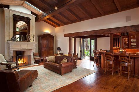 Living Rooms  Vaulted Ceilings