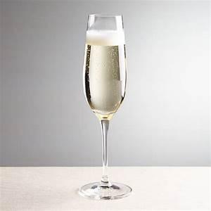Flute A Champagne : viv champagne glass reviews crate and barrel ~ Teatrodelosmanantiales.com Idées de Décoration