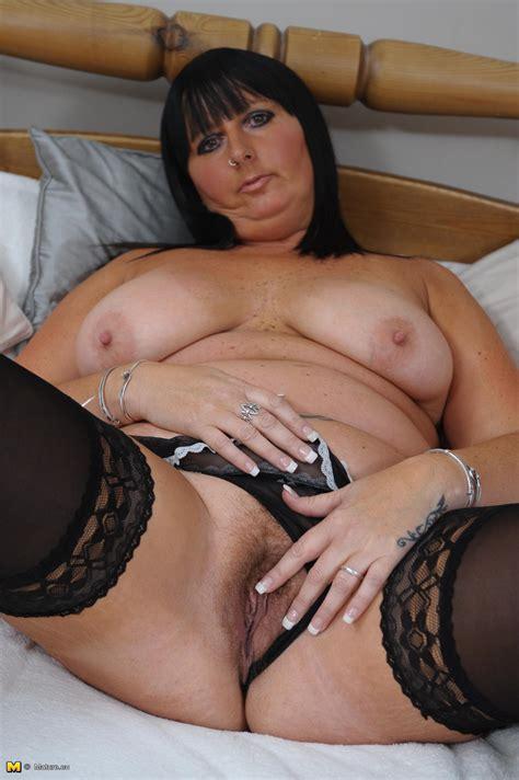 slut plays with pussy hq photo porno