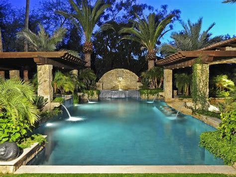 5851 E Berneil Lane, Paradise Valley, AZ 85253