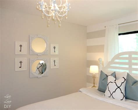 White Bedroom Chandelier by 25 Best Collection Of Small White Chandeliers Chandelier