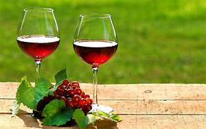 Image 2 Glasses of Red wine HD Wallpapers