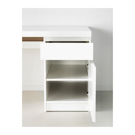 ikea malm desk can be placed in the middle of a room