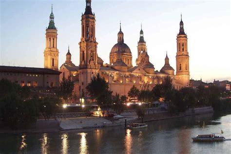 Disfruta y descubre la ciudad de zaragoza y su entorno. Zaragoza (Saragossa), Spain ~ The Catholic Travel Guide