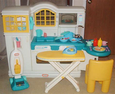 country kitchen tikes extraordinary tikes play kitchen interior 6092