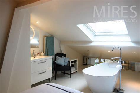 chambre avec baignoire centrale c1143 mires