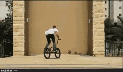 trending gif tagged trick bike stunt bmx trending gifs