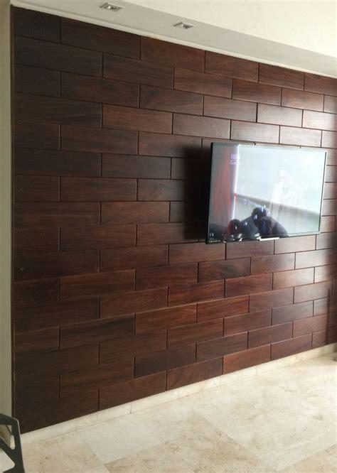 panel en muro hecho de madera de parota  pregunta por el precio del metro  muros
