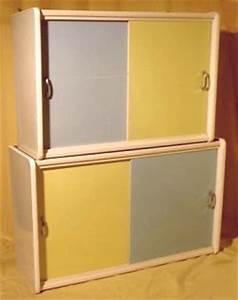 Küchenschrank Mit Schiebetüren : pastellne k chenm bel der 50er ~ Sanjose-hotels-ca.com Haus und Dekorationen