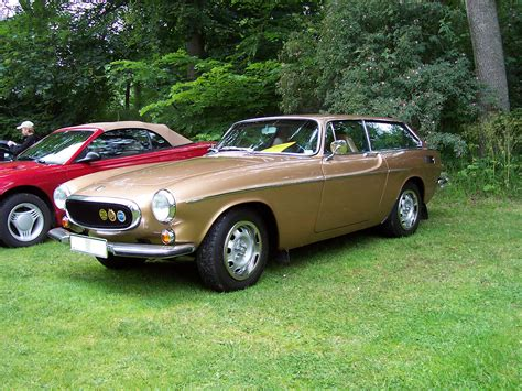 File:Volvo 1800ES gold.jpg - Wikimedia Commons