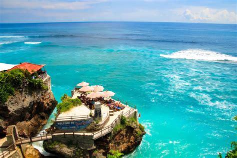 uluwatu beach kuta indonesia  amazing view