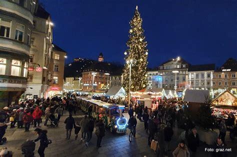 christkindlmarkt   hauptplatz graz advent  graz