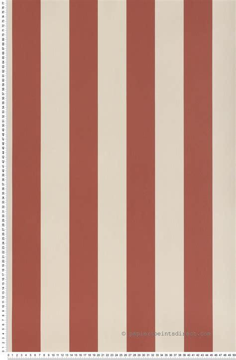 stock bureau direct papier peint rayures framboise 67 mm papier peint