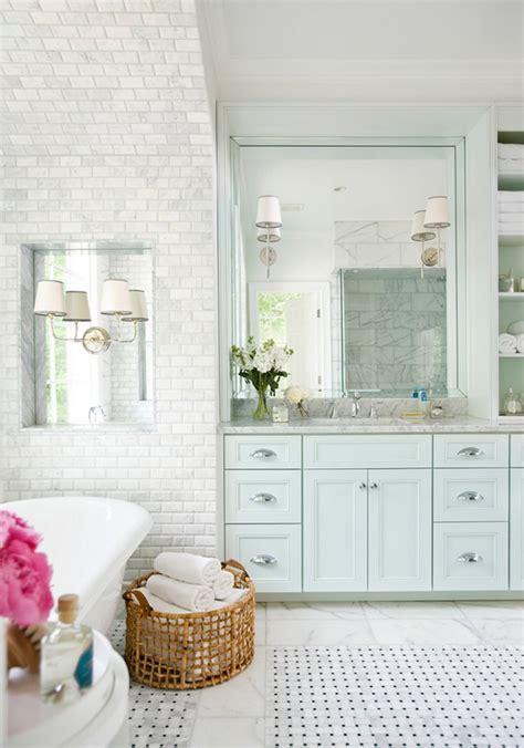 White Beach Chair Hton Style Bathroom