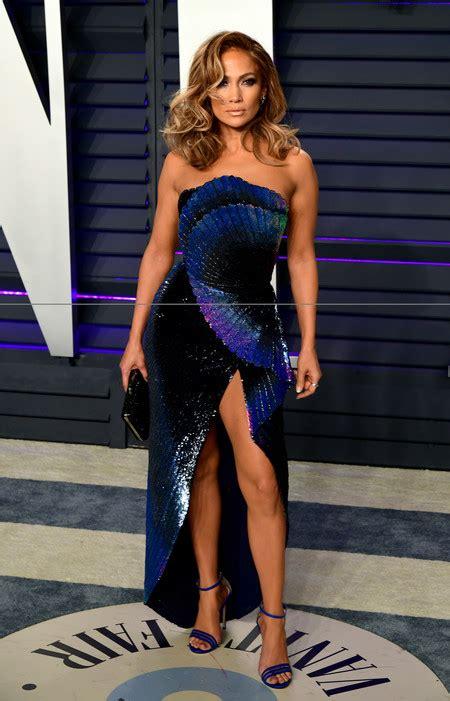 como combinar  vestido azul marino el nuevo negro de