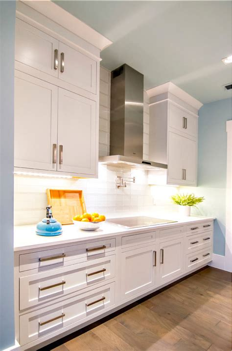 pure white sherwin williams cabinets transitional beach house home bunch interior design ideas 337 | Kitchen Ideas. Kitchen Design Ideas. KItchen Cabinet Paint Coli is Sherwin Williams Pure White SW 7005. Kitchen KitchenCabinets