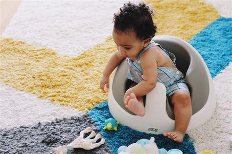 a quel age bébé tient assis dans une chaise haute a quel age un bebe se tient assis 28 images la s 233 curit 233 en voiture avec b 233 b 233