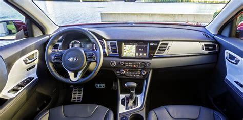 kia niro hybrid suv unveiled  caradvice