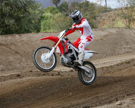 2014 motocross bikes 2014 honda crf250r dirt bike test