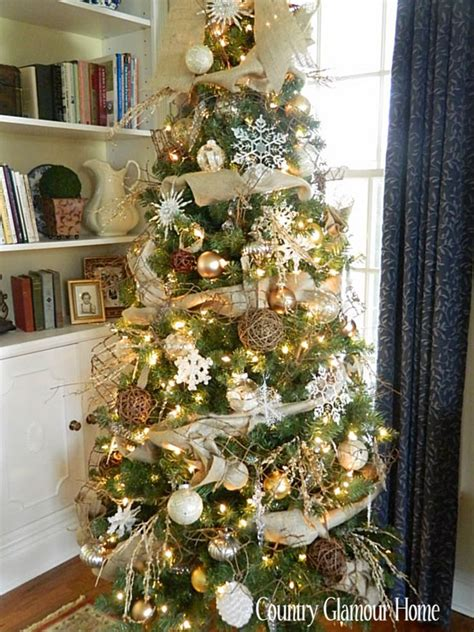 burlap themed christmas tree country glamour home burlap tree decor holidays christmas pinterest glamour country