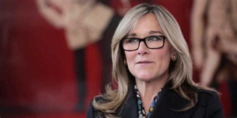 angela ahrendts memo to apple employees business insider