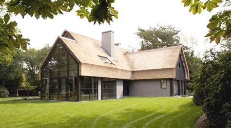 Rieten Huis by Woning Te Epse Met Rieten Kap Opgebouwd Uit Schoonbeton