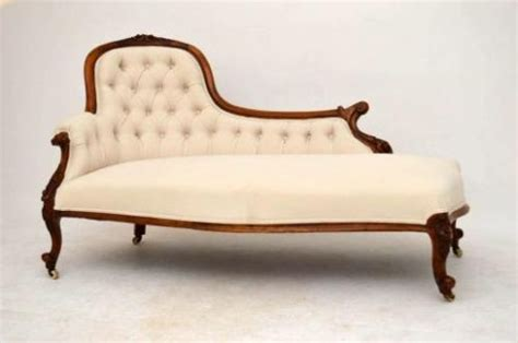 chaise spoon antique carved walnut spoon back chaise longue