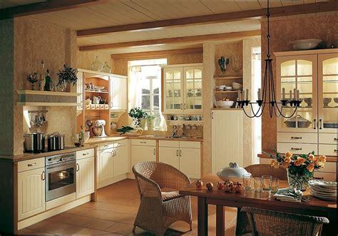 cocina rustica en color crema  frentes de arcos  chimenea